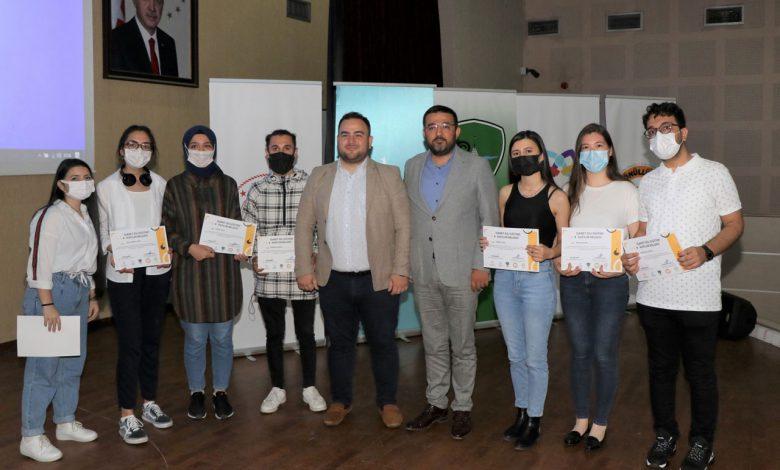 Kocaeli'de işaret dili eğitimi alan gönüllüler sertifikalandı