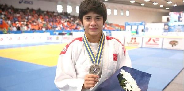 Photo of Kağıtsporlu Tuğçe Avrupa Şampiyonu oldu