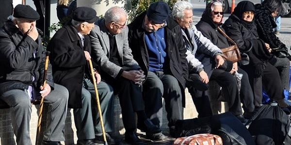 Photo of Emeklinin intibak yasa teklifini AKP milletvekilleri reddetti