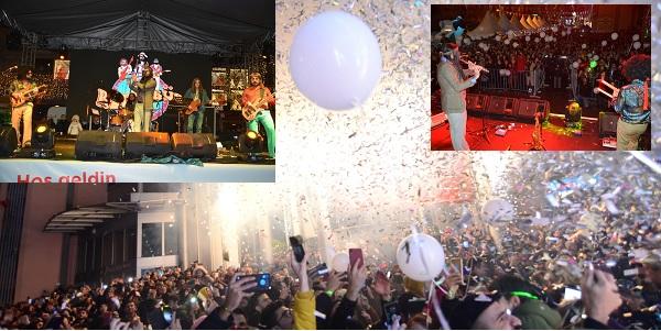 İzmit'te vatandaşlar 2020'ye Retrobüs konseriyle girdi