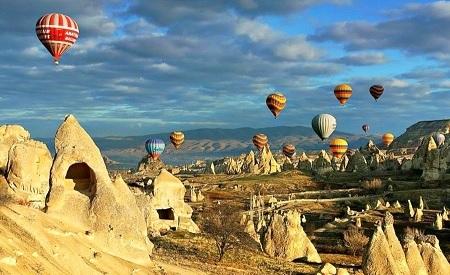 Uçhisar-Kapadokya-Türkiye'de gezilecek yerler-Göreme Milli Parkı