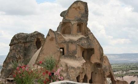 Uçhisar-Kapadokya-Türkiye'de gezilecek yerler-Tığraz Kalesi