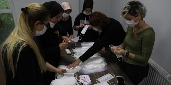 İzmit Belediyesi Dikimevini Çınar Kadın Kooperatifine devretti