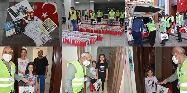 Binlerce çocuğa İzmit Belediyesinden 23 Nisan sürprizi