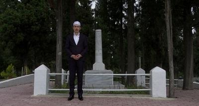 Yeni Cuma Müezzin-i Ali Gülmez ise mezarı Tavşancıl'da bulunan Yahya Kaptan'ın kabri başında yaptığı dualarla kahramanlarımızı yad etti