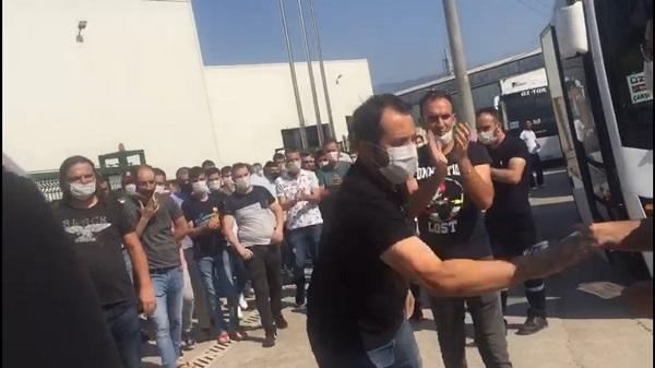 Türk Metal işyeri temsilcileri bildiri dağıtan EMEP'lilere saldırdı