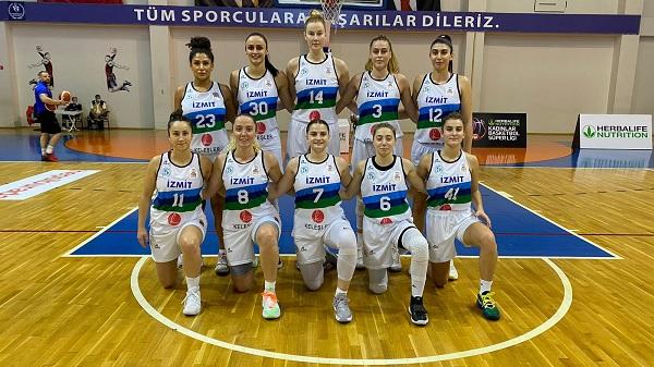 Kadınlar Basketbol Süper Liginde İzmit Belediyespor lider oldu