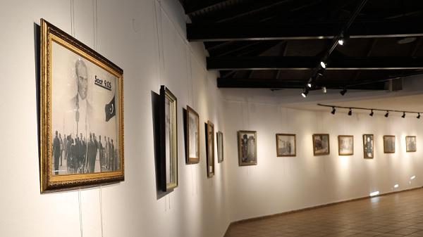 10 Kasım'a özel İzmit Belediyesinden Atatürk fotoğrafları sergisi