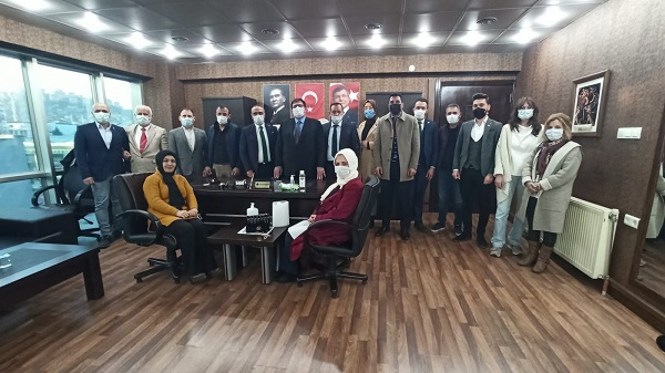 Gelecek Partisi Kocaeli koordinatörü Teşkilatın fotoğrafını çekti