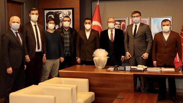 Photo of CHP Kocaeli Lastik İş Genel Başkanı ve yönetimini ağırladı
