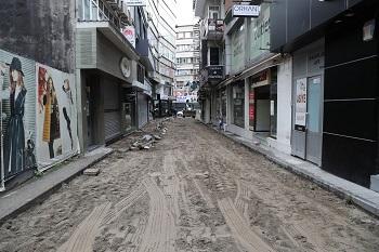 feridun özbay sokağına doğal taş döşenecek
