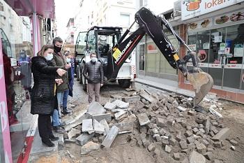 feridun özbay sokağının taşları sökülüyor