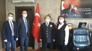 İzmit Belediye Başkan Yardımcısı Cem Güler, Koordinatör Hakan Özkum ve İnsan Kaynakları Müdürü Sevtap Cengiz, Körfez İlçe Emniyet Müdürü Ahmet Zihni Manap'ı ziyaret etti