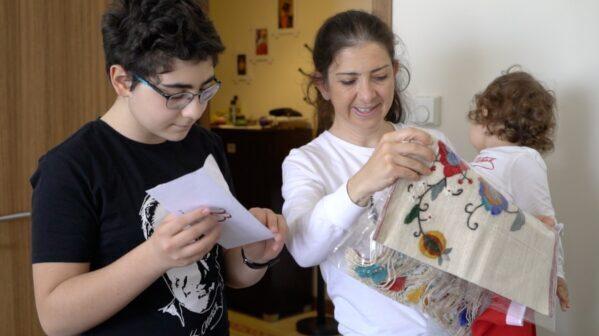 Kocaeli'de misafirperver ailelere hediye verildi