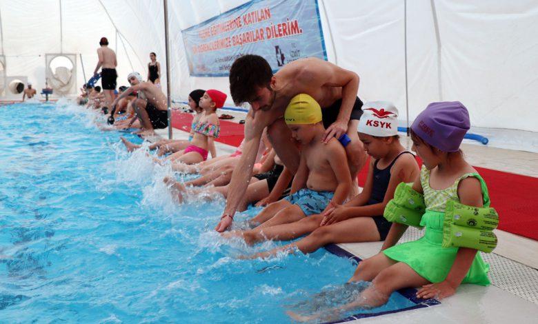 Kocaeli İzmit'te ücretsiz yüzme kursları